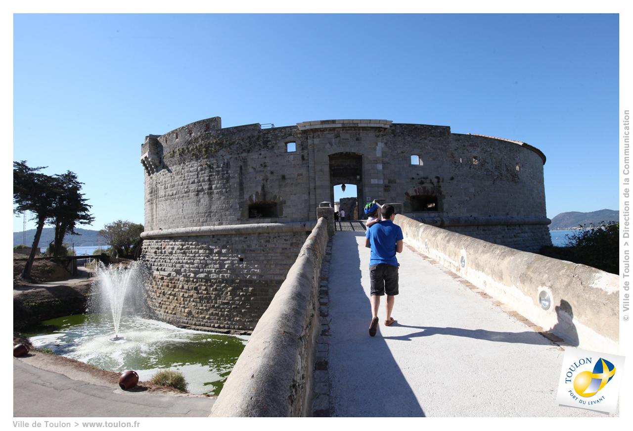 Parc la tour royale site officiel de la ville de toulon - Piscine municipale bourg royal toulon ...