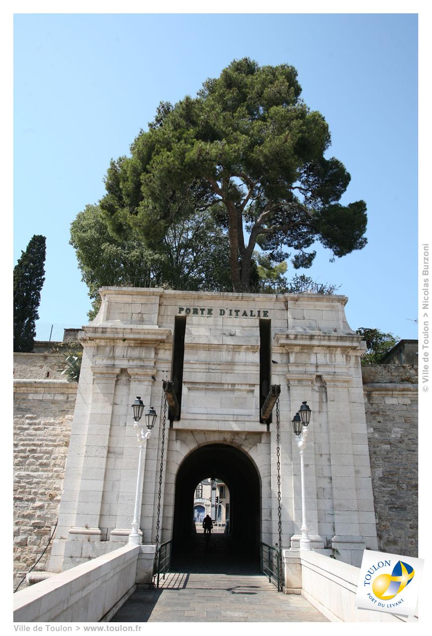 La porte d 39 italie site officiel de la ville de toulon - Piscine place d italie ...