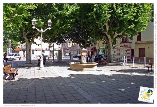 Fontaine de la place Macé