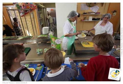 La contribution des familles aux frais de restauration scolaire